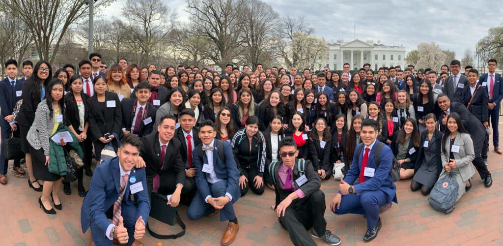 Windrose 2019 DC Summit Students in front of White House